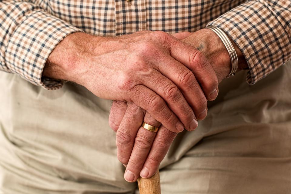 hands-senior-care-future-1